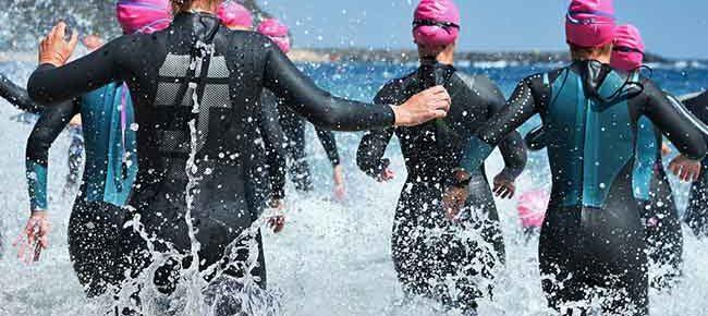 women trithletes